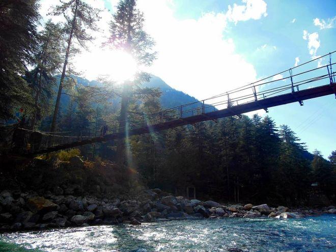 hanging-bridge-on-parvati-river-at-kasol